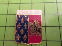 1318a Pin's Pins / Beau Et Rare : Thème VILLES / BLASON ECUSSON ARMOIRIES CHABLIS - Badges