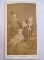 Photographie Ancienne CDV - Portrait Mère Et Ses Enfants - Photo Chambay, Paris   BE - Photographs