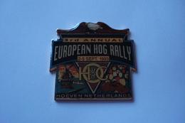 20181005-2091 Pin's 2 Attaches H-D « 3rd ANNUAL EUROPEAN HOG RALLY 1993 HOEVEN-NETHERLANDS  » - Motos