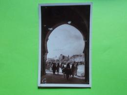 Carte Postale - MAROC - Meknes - Place El Hédime Et Porte Bab Mansour (2421) - Meknes
