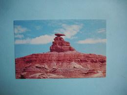 MEXICAN HAT ROCK  -  Utah   -  Etats Unis - Monument Valley