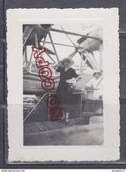 Au Plus Rapide Aérodrome De Marignane 1935 Personnes Posant Devant Un Hydravion Savoia Marchetti S 66 * - Aviation