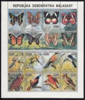 Madagascar 1993 MNH Scott #1103-#1104 Sheet Of 16 Birds, Butterflies - Madagascar (1960-...)