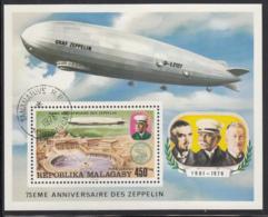 Madagascar 1976 Used Scott #C160 Souvenir Sheet Zeppelin, St. Peter's Cathedral - Madagascar (1960-...)