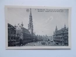 CPA : Vue Générale De La Grande Place , Animation, - Monuments, édifices