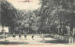 """/ CPA FRANCE 81 """"Ecole De Sorèze, Le Manège"""" / Ed. Labouche / CHEVAL - France"""