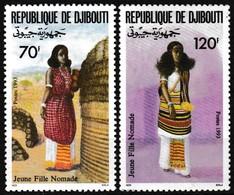 Série De 2 T.-P Gommés Neufs** - Jeunes Filles Nomades En Tenue Traditionnelle - N° 700-701 (Yvert) - Djibouti 1993 - Djibouti (1977-...)
