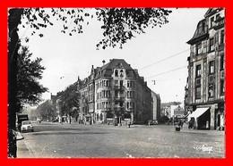 CPSM/gf SAARBRUCKEN (Allemagne)   Ostviertel, Animé, Pub Renault, 4CV....H700 - Saarbruecken