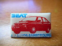 A017 -- Pin's Seat Sarrebourg -- Exclusif Sur Delcampe - Badges