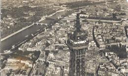 Ansichtskarte Von Paris  Aus Dem Jahre 1952    Frankiert  Mit Sonderstempel - Plätze