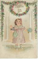 Petite Fille Avec Poupèe Et Bouquet Fleurs - CPA Gaufrée - Portraits
