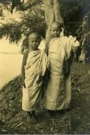 Vietnam Vers Saigon Enfants Garcons Bouddhiste? Old Photo 1935 - Anonymous Persons