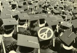 USA Bloomington Etudiant Protestation Antimilitariste Peace Sign Ancienne Photo 1971 - Places