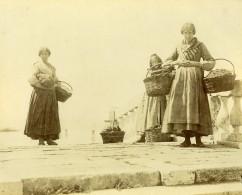 Italie Venise Scene De Rue Animée Les Commercantes? Paniers Ancienne Photo 1890 - Photographs