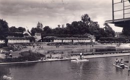 95 - L'ISLE ADAM - La Plage - N/B - 1956 - Photo Véritable - Pédalos - L'Isle Adam