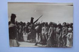 AFRICA ORIENTALE ITALIANA COLONIE FOTO CON MILITARI ITALIANI ED ASCARO IN MARCIA MOLTO BELLA - Africa