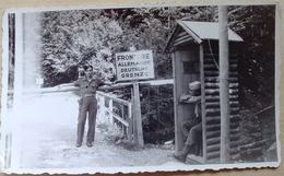 AUTRICHE  JUILLET   1945  POSTE  FRONTIERE WALSCHERCHANG MILITAIRES  CHEF DE POSTE  ET  SENTINELLE - Lieux