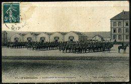 Cpa  Noyon  Escadron Du 9e Cuirassiers,   Animée - Noyon