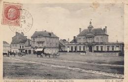 Chalonne-sur-Loire.  Place De L'Hôtel De Ville - Chalonnes Sur Loire