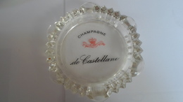 CENDRIER   CHAMPAGNE DE CASTELLANE    ****        A  SAISIR ******* - Asbakken