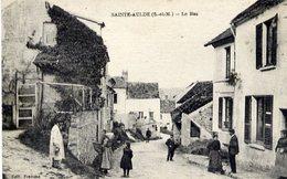 77 SAINTE-AULDE - Le Bas - Très Animée : Paysanne Avec Sa Hotte - Autres Communes