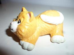 DG032 - Figurine Chat Orange Couché / Weetos / 1997 - Cats