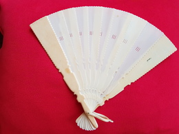 Antique Female Ivory Hand Fan 19th Century - Eventails