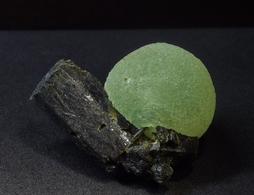 Prenite With Epidote ( 3.5 X 2.5 X 2 Cm) -  Djouga, Bendougou - Mali - Africa - Minéraux