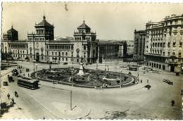 ESPAÑA  SPAGNA  VALLADOLID  Academia De Caballeria Y Plaza De Zorrilla  Autobus - Valladolid
