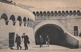 D.18-2829 :   MONACO. LE PRINCE DE MONACO RENTRANT AU PALAIS. - Monaco