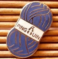 Joli Pin's Laine Pingouin, émail Grand Feu, TBQ, Pins Pin. - Trademarks