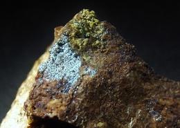 Camerolaite And Chalcophyllite On Matrix (2 X 1.5 X 1.5 Cm) - Spania Dolina - Piesky - Slovakia - Minéraux