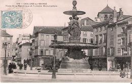 51 Chalons Sur Marne  Place De La République Et La Fontaine Monumentale - Châlons-sur-Marne