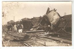 CARTE PHOTO 80 Accident De Train En Gare D'AMIENS - Catastrophe -  Photo Lucien Hacquart AMIENS - Amiens