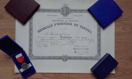 Diplôme Médaille D'honneur Du Travail - Argent 1966 - Diplômes & Bulletins Scolaires