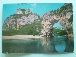 V10-07-ardeche-gorges De L'ardeche- Le Pont D'arc- Rocher De Charlemagne- - Non Classificati