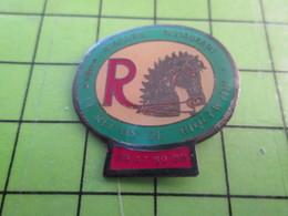 1118B Pin's Pins / Rare Et De Belle Qualité / THEME ALIMENTATION : RESTAURANT (COUCOU GEGE) LE RELAIS DE RIQUEWIHR - Food