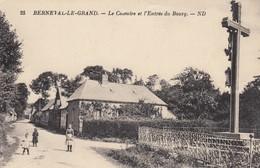 Berneval-le-Grand.  Le Calvaire Et L' Entrée Du Bourg - Berneval