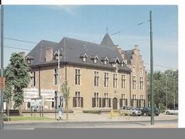 Drogenbos (1620) : Gemeentehuis / Maison Communale (16ème Siècle). Véhicules D'époque. CPSM. - Drogenbos