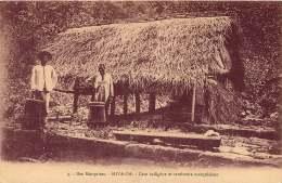 ILES MARQUISES  HIVA OA  CASE ET TAMBOURRS MARQUISIENS - French Polynesia