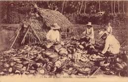ILES SOUS LE VENT RAIATEA PREPARATION DU COPRAH - French Polynesia