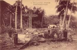 ILES SOUS LE VENT HUAHINE  TOMBE DU SOLDAT FRANCAIS - French Polynesia