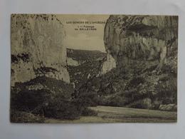 C.P.A. : 07 LES GORGES DE L'ARDECHE : Passage De SALLEYRON - Vallon Pont D'Arc