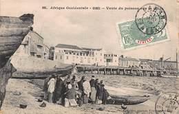 CPA Afrique Occidentale - SENEGAL - GOREE - Vente Du Poisson Sur La Plage - Sénégal