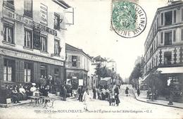 HAUTS DE SEINE - 92 - ISSY LES MOULINEAUX - Place De L'église Et Rue De L'Abbé Grégoire - Belle Animation - Issy Les Moulineaux