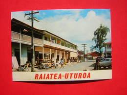 CPM  RAIATEA UTUROA  LA CAPITALE DE RAIATEA DEUXIEME VILLE DE LA POLYNESIE  ANIMEE VOITURES MOBYLETTE     VOYAGEE - French Polynesia