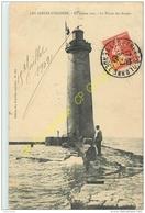 85. LES SABLES D'OLONNE . En Pleine Mer ; Le Phare Des Barges . - Sables D'Olonne