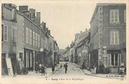 LUZY RUE DE LA REPUBLIQUE 58 - France