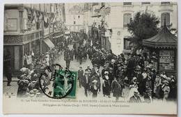 CPA 18 Bourges 1911 Trois Grandes Journées Régionalistes Cortège Délégation De L'Anjou Café De Paris - Bourges