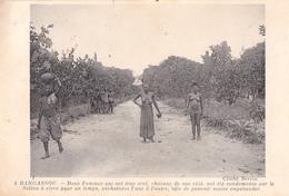BANGASSOU  REPUBLIQUE CENTRAFRICAINE CENTRAFRIQUE ( 2 FEMMES PUNIES PAR LE SULTAN ) AFRIQUE NOIRE - Central African Republic